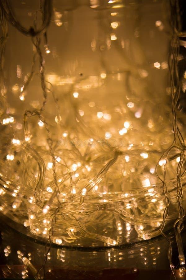De abstracte Achtergrond van Lichten LEIDENE Verlichting, Kleurrijke slingers, Ne royalty-vrije stock afbeeldingen