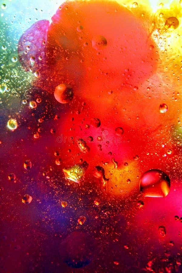 De abstracte kleurrijke Olie Als achtergrond in Waterspiegelschuim van Zeep met Bellenmacro schoot close-up royalty-vrije stock fotografie