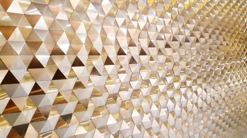 De abstracte mening van het fotoclose-up van modern geventileerd aluminium facad stock foto