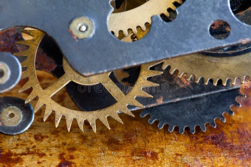De abstracte transmissiebouw vervalst de mechanische transmissie van toestellenwielen Retro concept van stijl industriële machine stock foto's