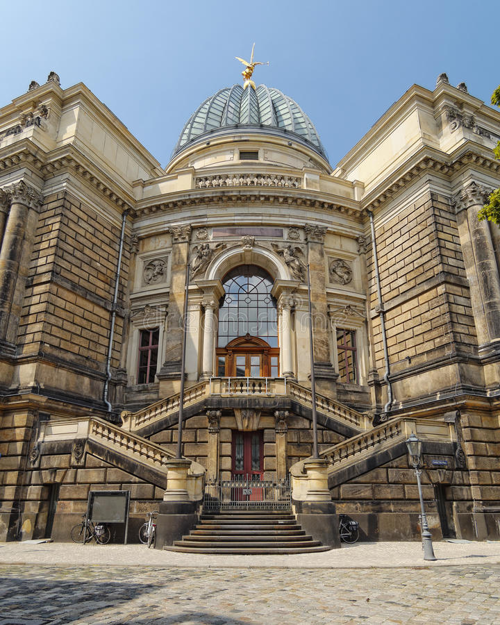 De Academie van Dresden van Kunsten, Duitsland royalty-vrije stock foto's