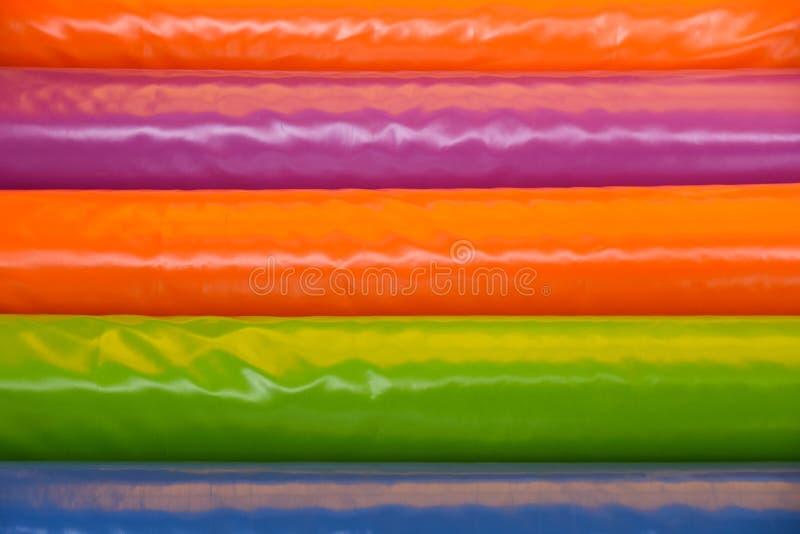 De achtergrond kleurde zachte trap speelkinderen royalty-vrije stock afbeeldingen