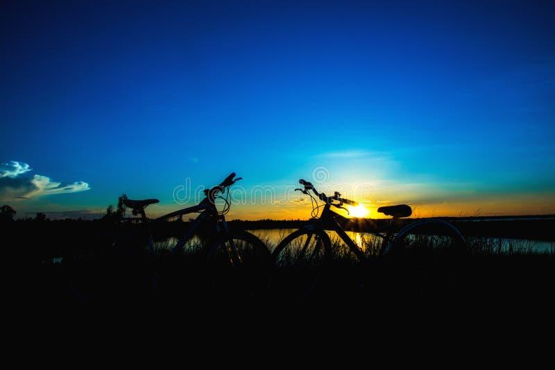 De achtergrond van de zonsondergangaard stock afbeeldingen