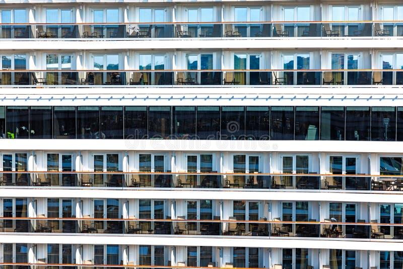 De achtergrond van het cruiseschip, Cabines van een schip van de luxecruise royalty-vrije stock foto