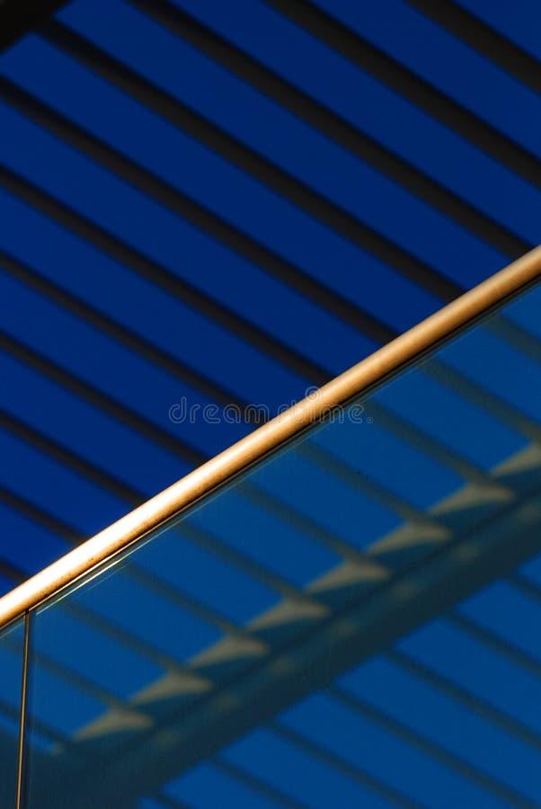 De achtergrond van het glas en van het staal stock afbeelding