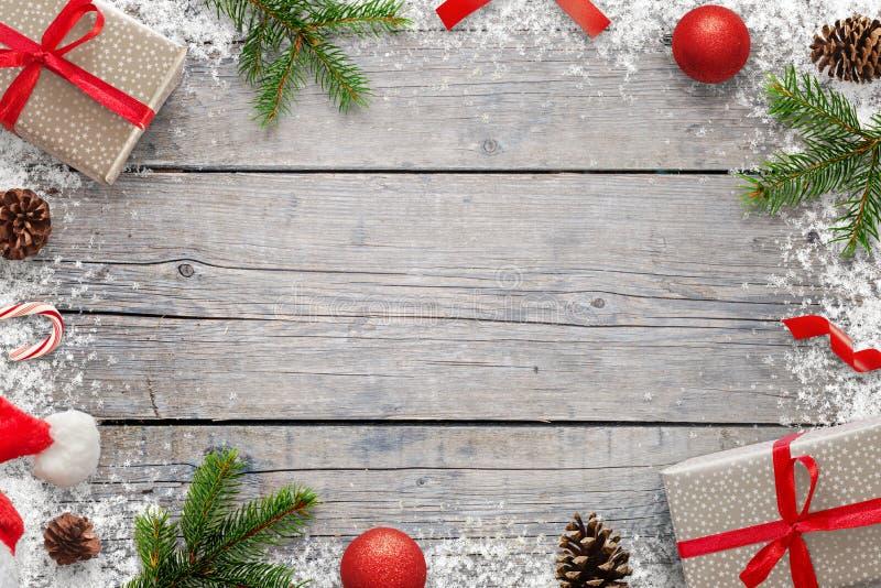 De achtergrond van Kerstmiskerstmis met exemplaarruimte voor tekst De Kerstmisspar vertakt zich, giftse, lolly, Kerstmanhoed, pin royalty-vrije stock afbeeldingen
