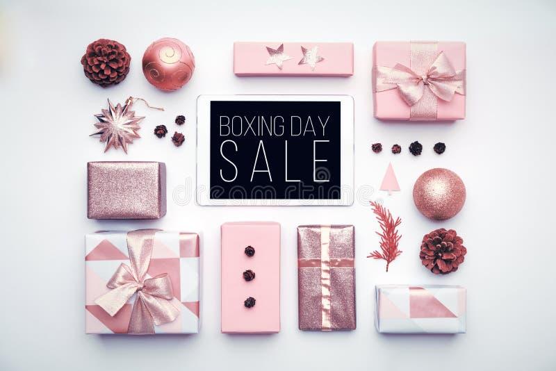 De achtergrond van de tweede kerstdagverkoop Online Winkelend, Kerstmisverkoop royalty-vrije stock afbeelding