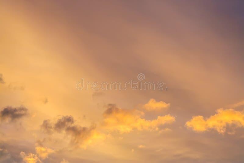 De achtergrond van de zonsonderganghemel royalty-vrije stock afbeeldingen