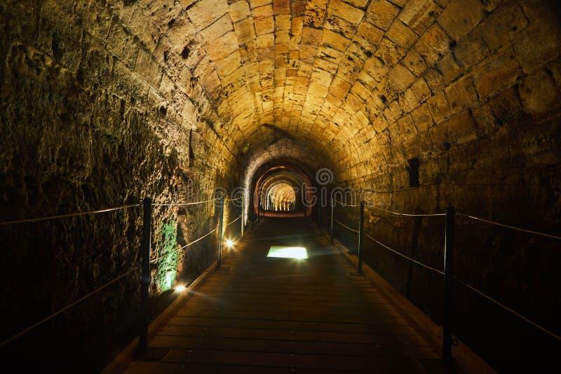 De Acre van de Templarstunnel De tunnel van de de 12de Eeuwadvertentie werd gebouwd door de Kruisvaarder Templars om hun vesting  royalty-vrije stock fotografie