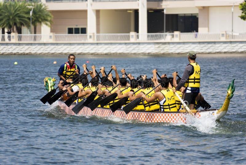 De Actie van het Ras van de Boot van de draak stock foto's
