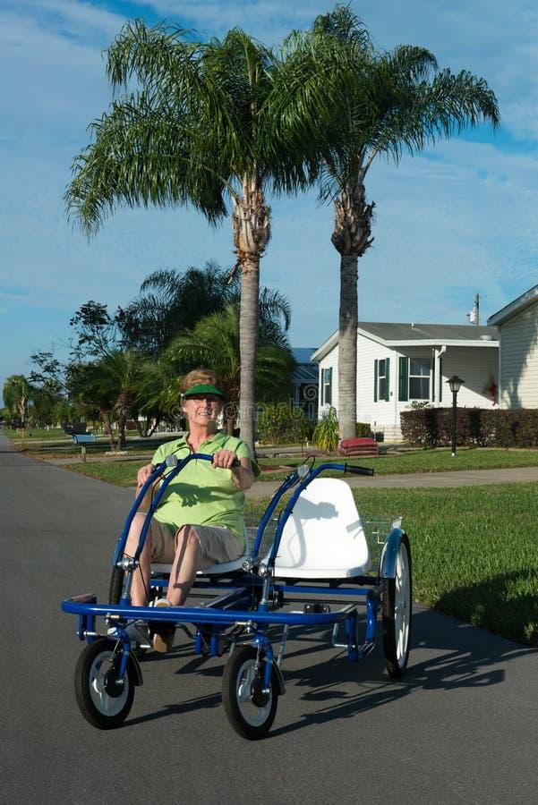 De actieve Gemeenschap van de Bejaardepensionering stock afbeelding