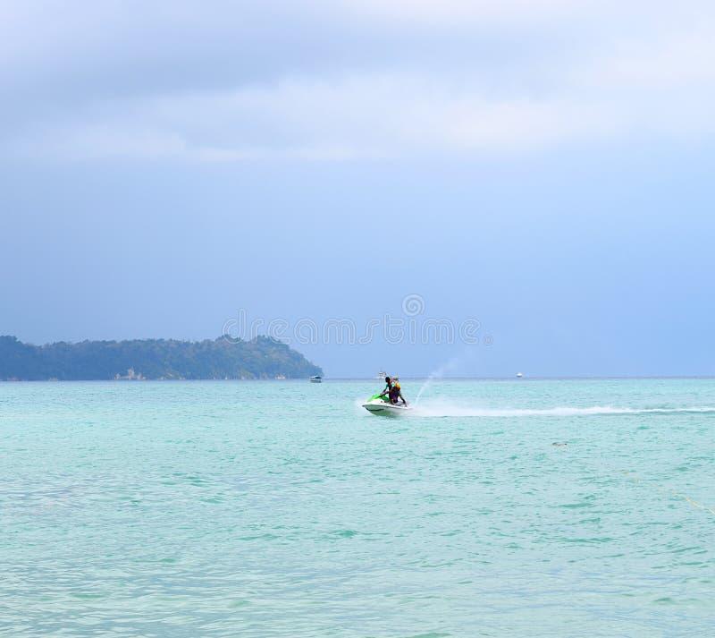 De Activiteit van watersporten - Jet Skiing - Rampur, Neil Island, de Eilanden van Andaman Nicobar, India royalty-vrije stock afbeeldingen