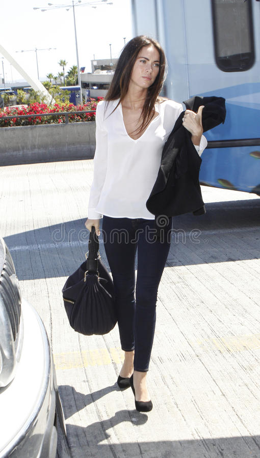 De actrice Megan Fox wordt gezien bij LOS. Se royalty-vrije stock fotografie