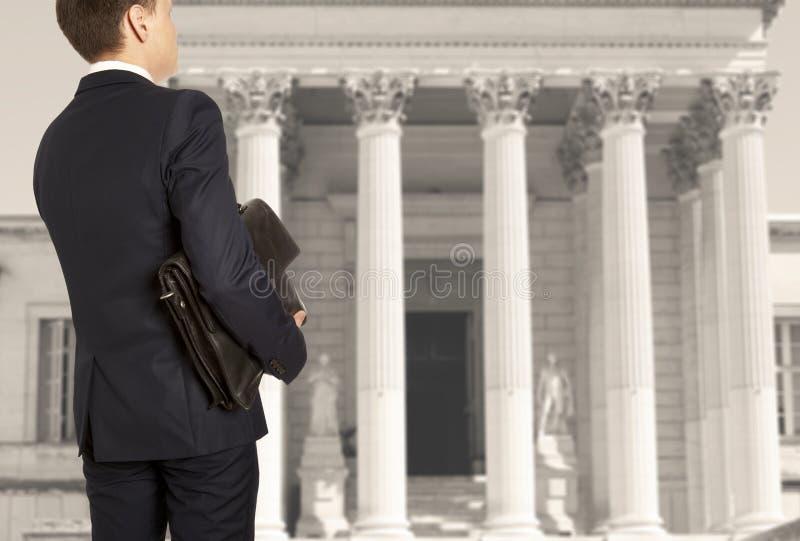 De advocaat met een aktentas royalty-vrije stock afbeelding