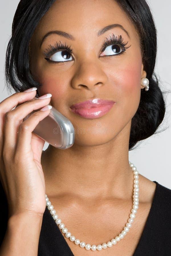 De Afrikaanse Amerikaanse Vrouw van de Telefoon stock foto