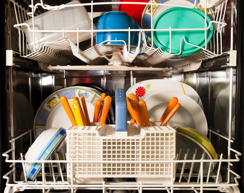 De afwasmachine van de keuken stock afbeelding