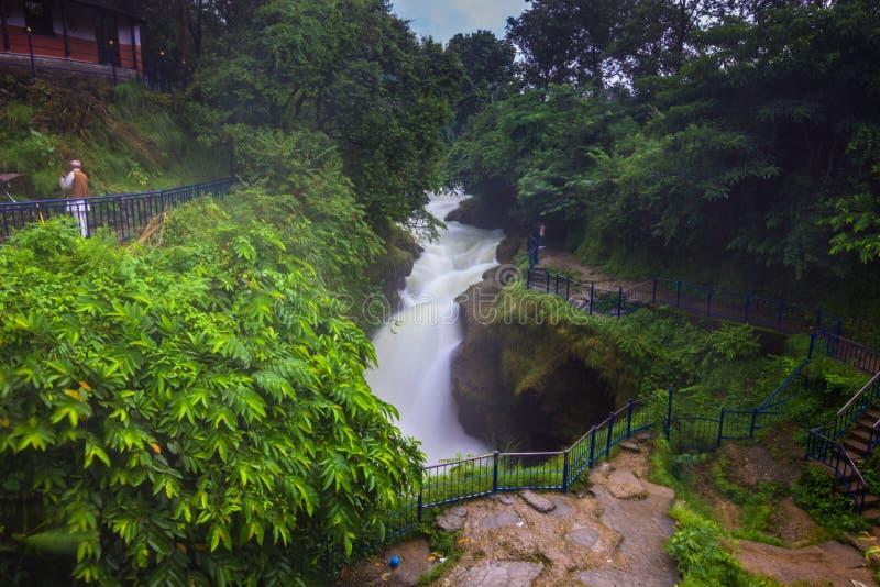 20 de agosto de 2014 - cachoeira da queda do ` s de Devi em Pokhara, Nepal imagens de stock royalty free