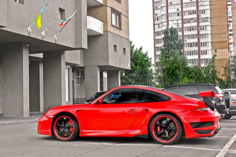 8 de agosto de 2015; Kiev, Ucrania, calle R de TechArt Porsche 911 Turbo GT imagen de archivo