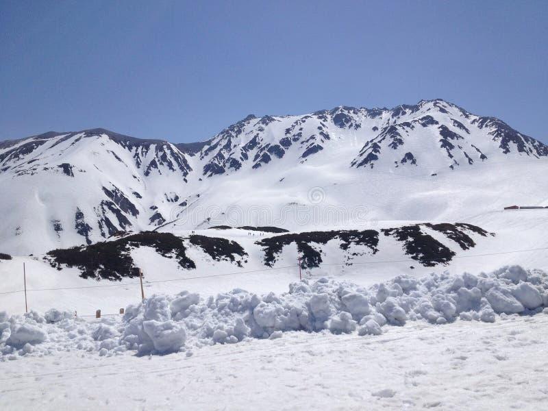 De Alpiene Route van Tateyamakurobe (de Alpen van Japan), Toyama, Japan royalty-vrije stock foto's