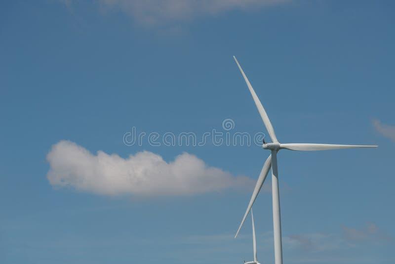 De alternatieve duurzame energie Thailand van de windturbine stock afbeelding