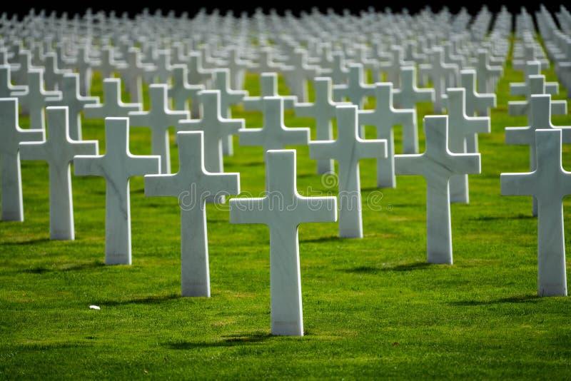 De Amerikaanse Begraafplaats van Luxemburg & Herdenkingskruisen royalty-vrije stock afbeelding