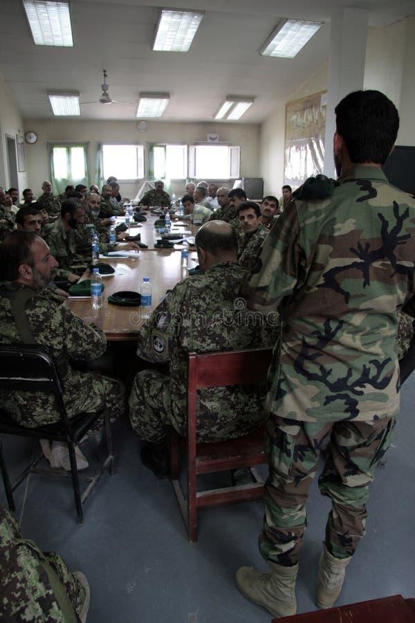 De Amerikaanse Militairen leiden Afghaans Leger op royalty-vrije stock foto's
