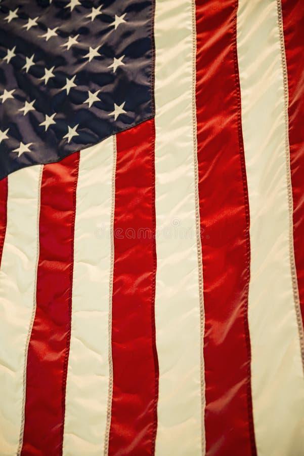 Download De Amerikaanse Vlag Van De V Stock Foto - Afbeelding bestaande uit symbool, textiel: 107705896
