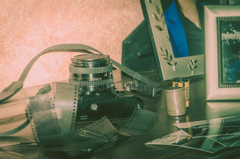 de analoge camera van de fotografie oude film stock foto