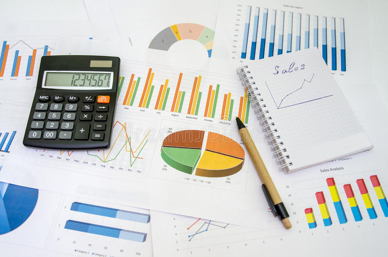 De analyse van financiële boekhoudingsgrafieken royalty-vrije stock foto's