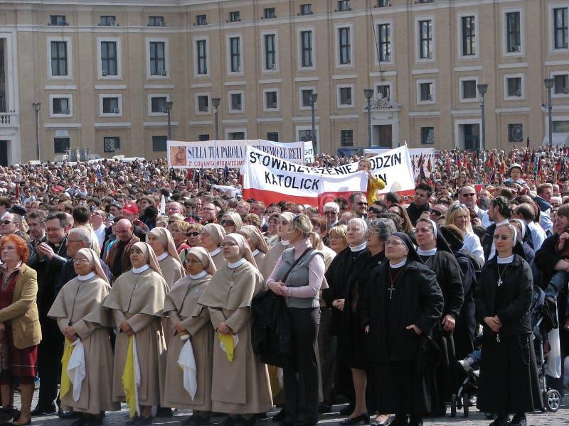 De Angelus van de zondag van Paus Benedict XVI, Vatikaan stock foto's