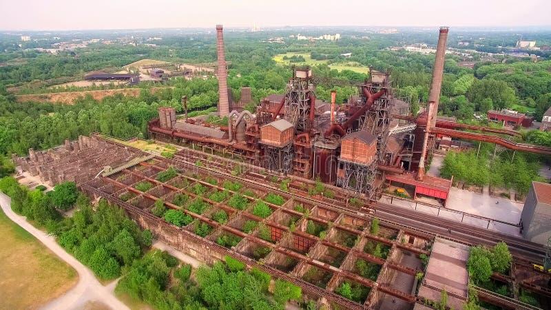 De ANTENNE van DUITSLAND, Landschaftspark Duisburg Groot om fac te verlaten royalty-vrije stock afbeelding