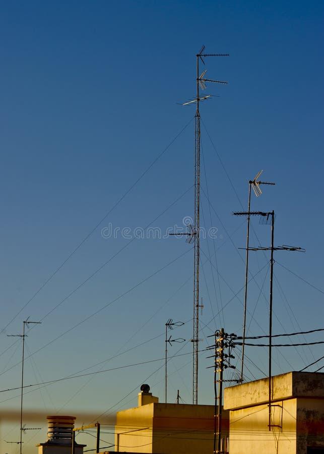 De antennes van tv van het huis stock foto afbeelding for Tv programma het huis