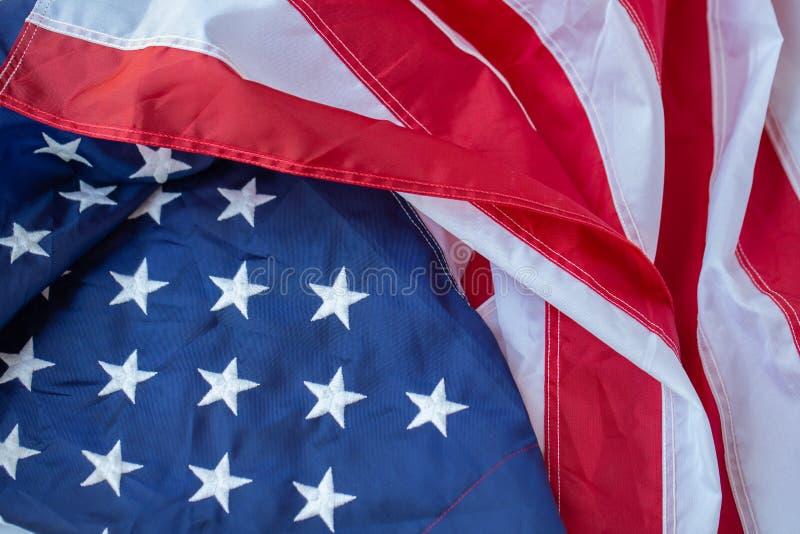 De antieke achtergrond van het de vlag golvende patroon van Amerika in rood blauw wit kleurenconcept voor de onafhankelijkheidsda stock afbeeldingen