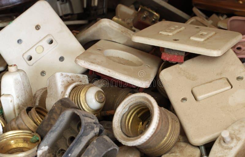 de antieke elektrische lampen van de schakelaars elektrische afzet voor verkoop in royalty-vrije stock afbeelding