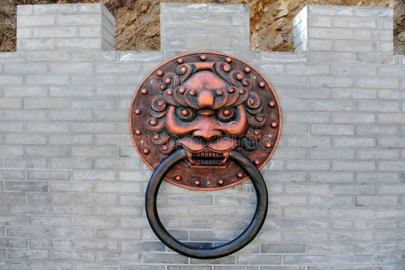 De antieke Kloppers van de Deur, China stock afbeelding