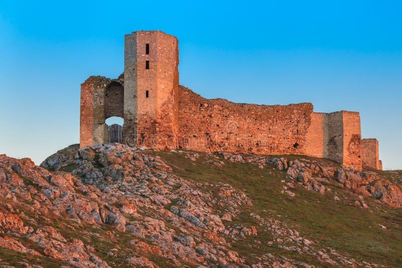 De antieke ruïnes van de Vesting Enisala royalty-vrije stock foto's