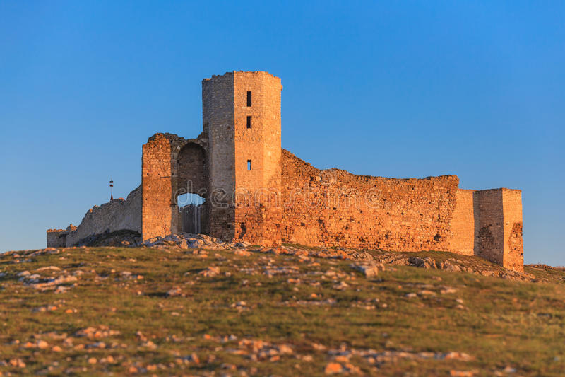 De antieke ruïnes van de Vesting Enisala royalty-vrije stock foto