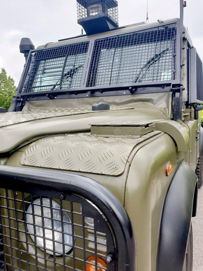 De antirel bereidde militair voertuig voor stock foto's