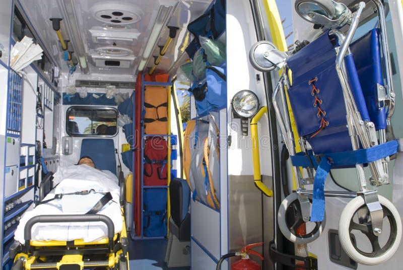 De apparatuur van de ziekenwagen in noodsituatievoertuig royalty-vrije stock afbeeldingen