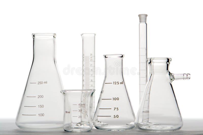 De Apparatuur van het glas in het Laboratorium van de Wetenschap stock afbeelding