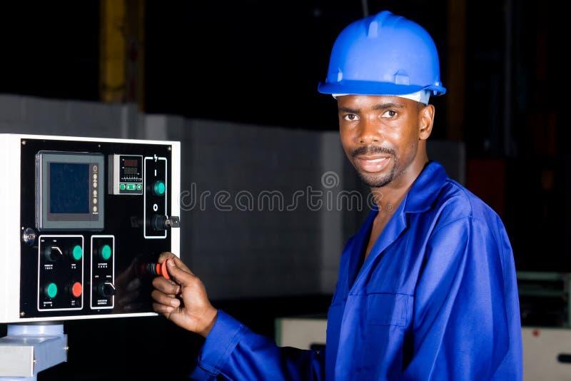 De arbeider van de fabriek stock foto's