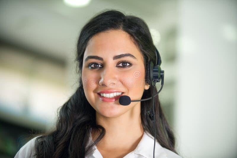 De arbeider van de klantendienst, exploitant met hoofdtelefoon stock foto's