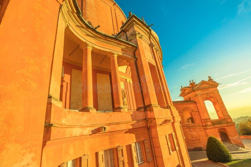 De arcades Bologna van San Luca stock afbeeldingen
