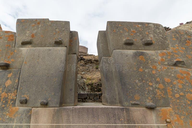 De archeologische plaats in Ollantaytambo, Inca-stad van Heilige Vallei, belangrijke reisbestemming in Cusco-gebied, Peru stock foto
