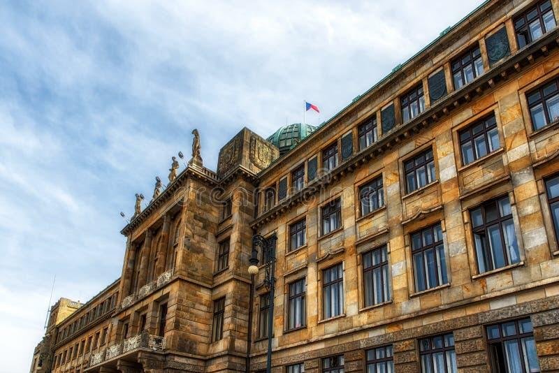 De architectuur detailleert het Ministerie van de Industrie en Handel, Praag royalty-vrije stock afbeeldingen