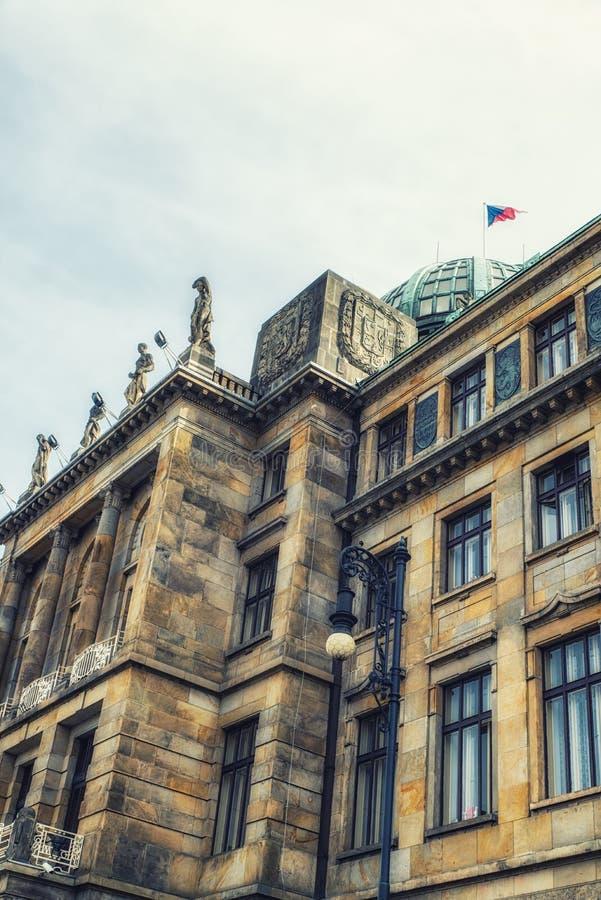 De architectuur detailleert het Ministerie van de Industrie en Handel, Praag royalty-vrije stock foto