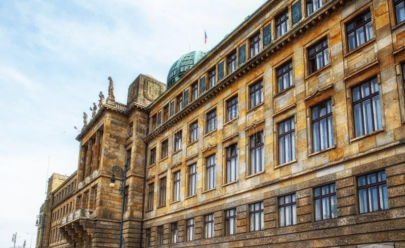De architectuur detailleert het Ministerie van de Industrie en Handel, Praag stock foto