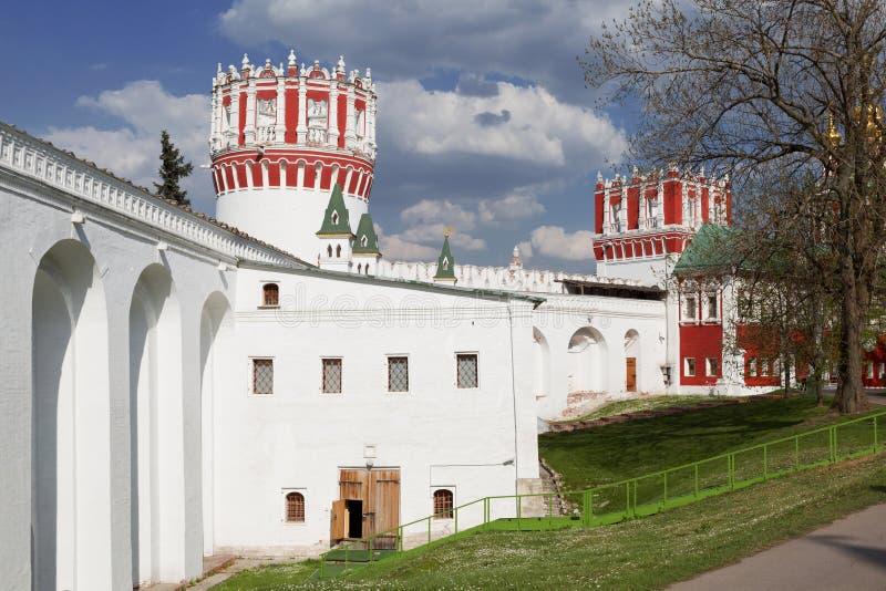 De architectuur van het Novodevichy-klooster in Moskou royalty-vrije stock foto