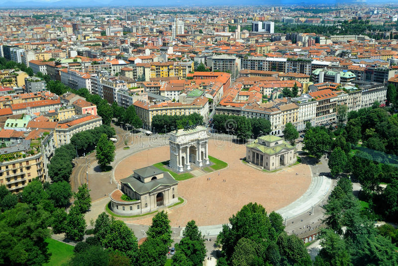 De Arco boog van het dellaTempo in Milaan, Italië stock fotografie