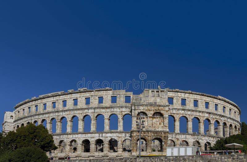 De arena bij Pula, Kroatië stock foto's
